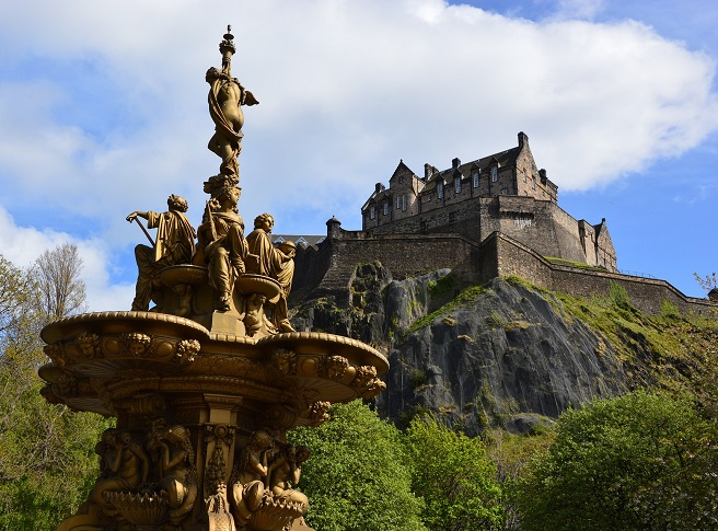 edinburgh castle scotland holiday ideas uk