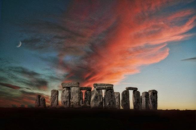 Stonehenge at night holiday ideas uk