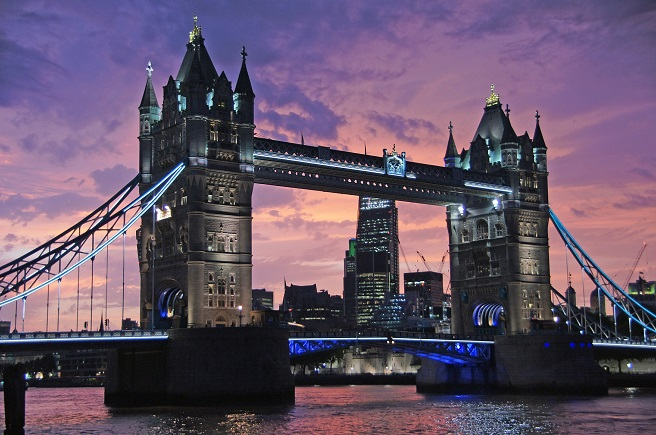london tower bridge england vacation inspiration