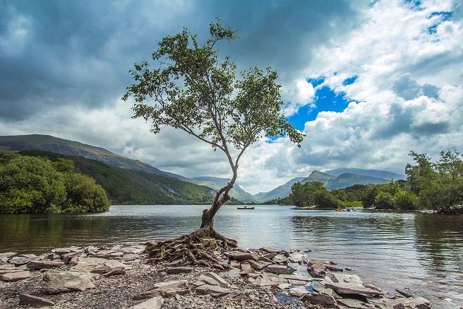 Snowdonia mountains lake wales holiday idea